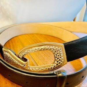{CHICOS} Black Leather Latch Hook Adjustable Belt